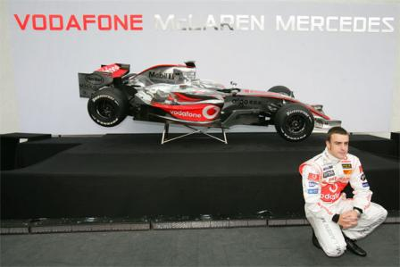 mp4 22 fernando.thumbnail Official: McLaren F1 MP4 22 unveiled