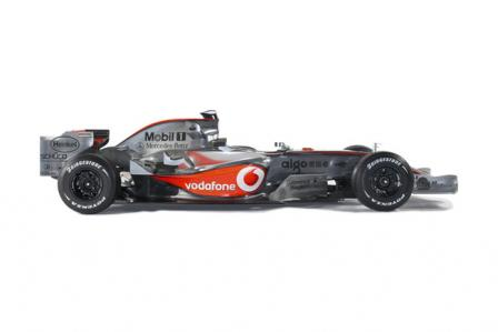 mp4 22 side on 1.thumbnail Official: McLaren F1 MP4 22 unveiled