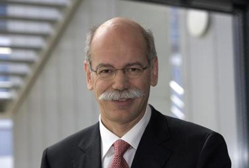 Zetsche to remain both group ceo and mercedes for Mercedes benz ceo
