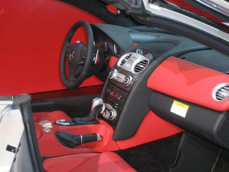slr mcclaren roadster interior.thumbnail Mercedes Stars at Show