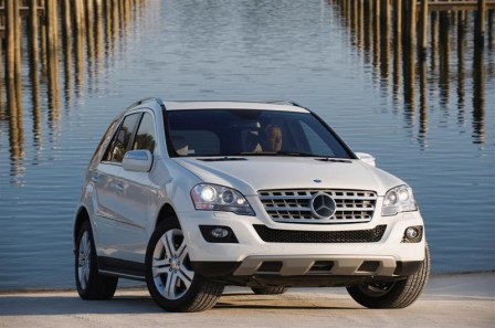 mercedes benz m class ml 320 bluetec exterior 448x297 AutoBild: M Class and GL Class Car of the Year 2008