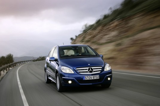 new gen mercedes benz b class04 535x356 Mercedes Benz A and B Class may be coming to U.S. in 2011