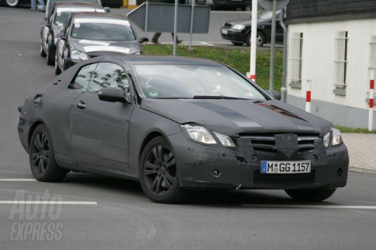 mercedes benz clk spyshot 535x356 Mercedes Benz CLK Spy Shots and Important Details Revealed