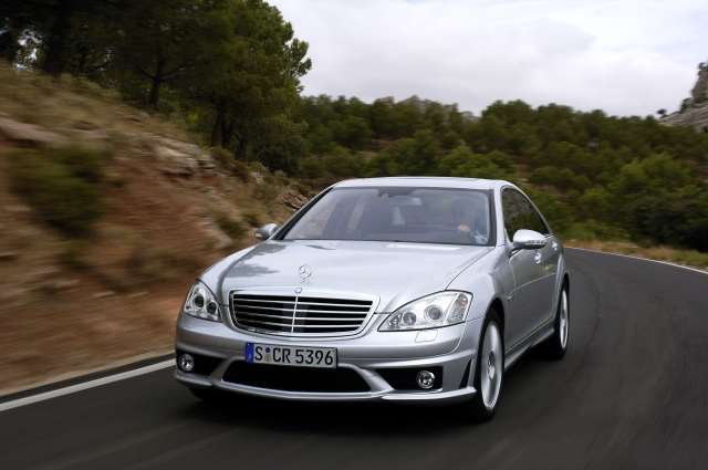 Mercedes Benz S Class Wins Best Luxury Car Award Benzinsider Com
