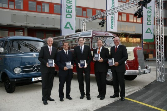mercedes benz win award01 535x356 Daimler wins 5 Awards for best commercial vehicle 2008