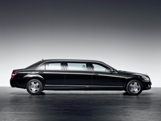 mercedes benz s600 pullman guard special protection06 540x405 The new S600 Pullman Guard: 80 years of special protection