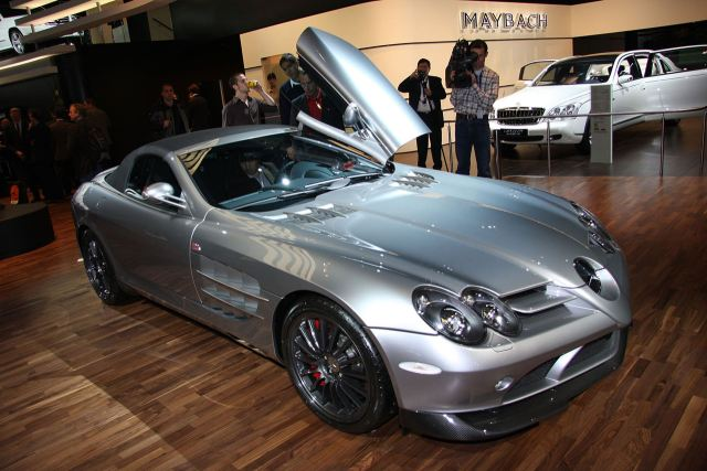 Just days ago, Mercedes introduced the 722 S Roadster to the world with some