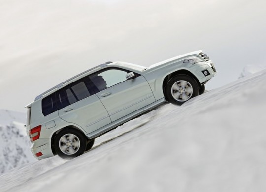 mercedes benz glk winter driving fun29 540x391 GLK boosts Mercedes Benz sales in Canada