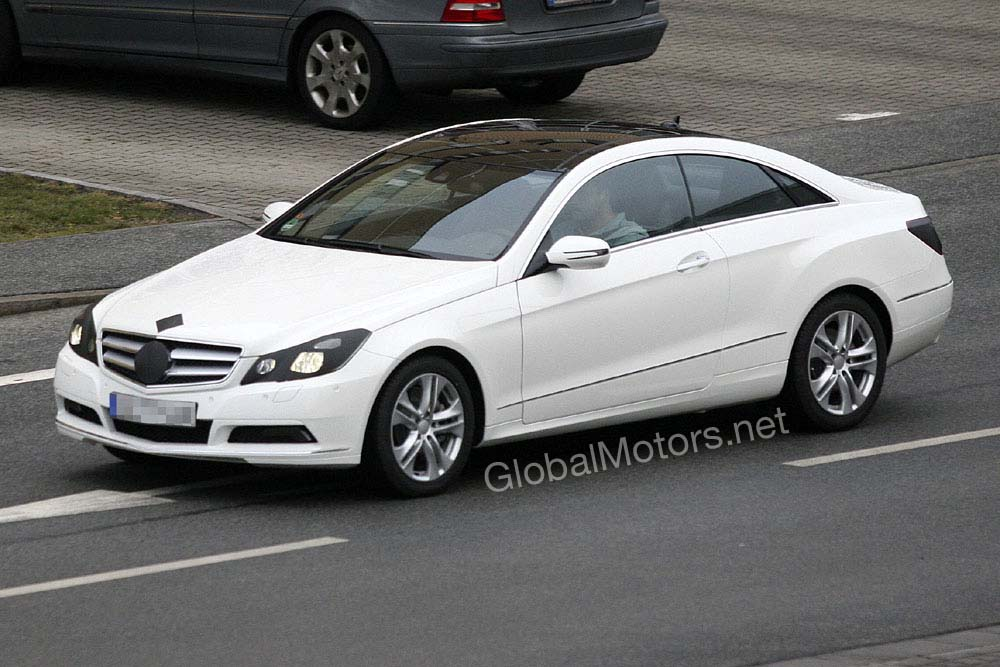 It seems that Mercedes is either not really trying to hide the E-Class Coupe