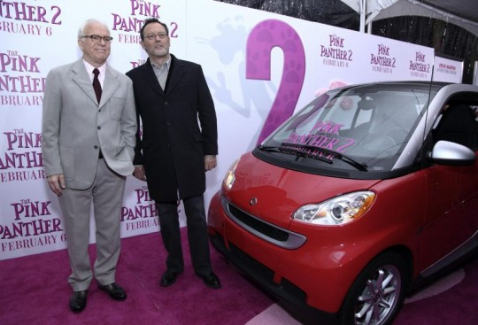 us premiere smart in the pink panther 2 540x367 The smart fortwo stars in the The Pink Panther 2 movie